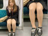 短すぎるスカートと美脚がそそるギャルお姉さん(其の四)