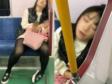 寝顔を至近距離から撮影される爆睡中の女子大生