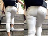 《White Pants・Part2》 No.10016【ジムトレーナーのレギンスになってしまった着衣尻】