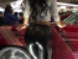 ピタピタテカテカお尻に張り付くブラックレザーレギンスパンツ