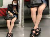 ホットパンツから伸びた生脚が美味しそうな小柄で可愛い女子大生(前編)